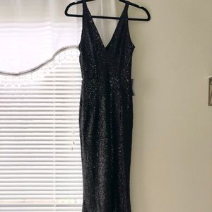 Dress the Population Harper Plunging Sequin Gown